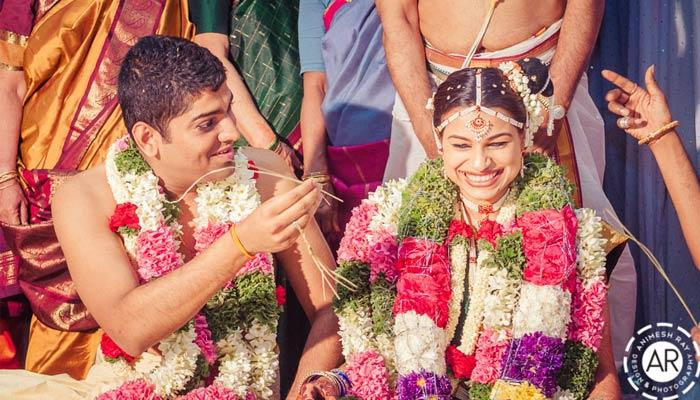 10 beautiful and touching moments every indian wedding album must have solutioingenieria Gallery