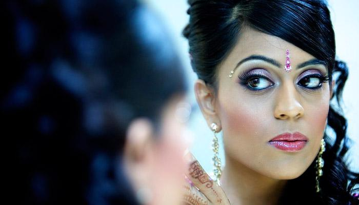 10 Steps To Do Flawless Makeup At Home To Rock At Any Wedding Page 1