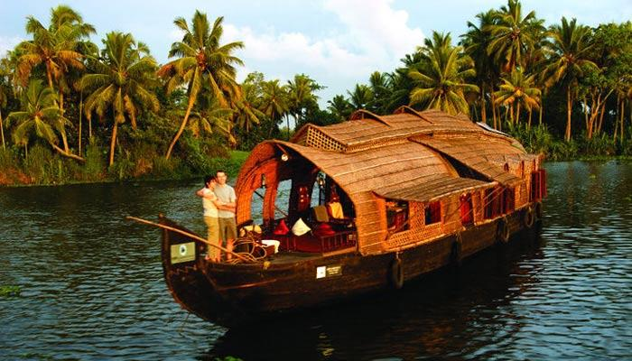6 Splendid Reasons Why Kerala Is The Best Destination For Your Honeymoon