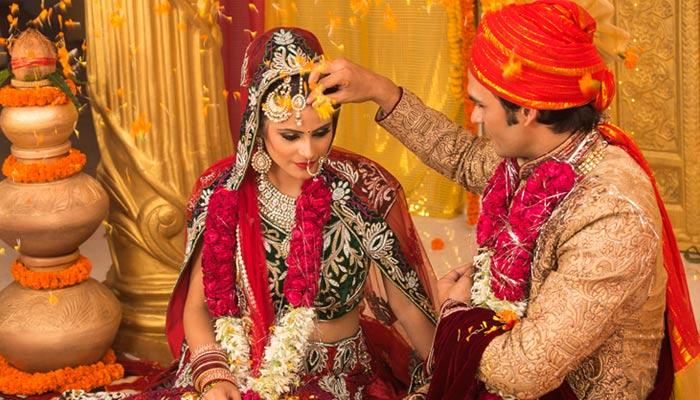 5 Reasons Why Every Indian Girl Should Focus On Her Marriage And Not A Big Fat Wedding Celebration