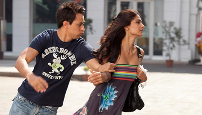 10 Awesome Ways For Guys To Survive A Shopping Expedition With Their Girl