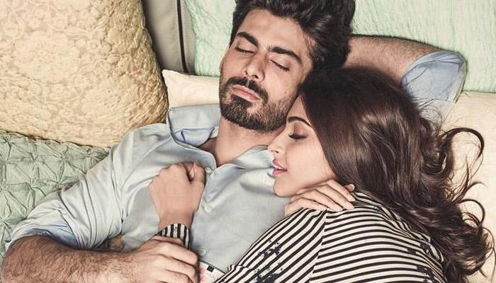 6 Common Sleeping Positions Of Couples And What They Reveal About Their Relationships