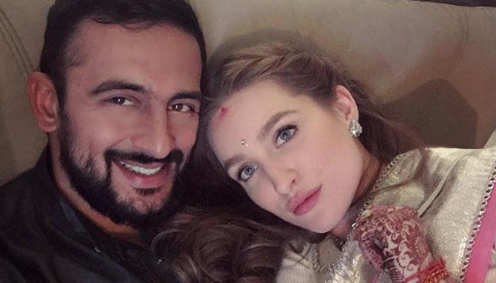 Arunoday Singh And His Wife Lee Elton Were Looking Like A Dream On Their Wedding Reception