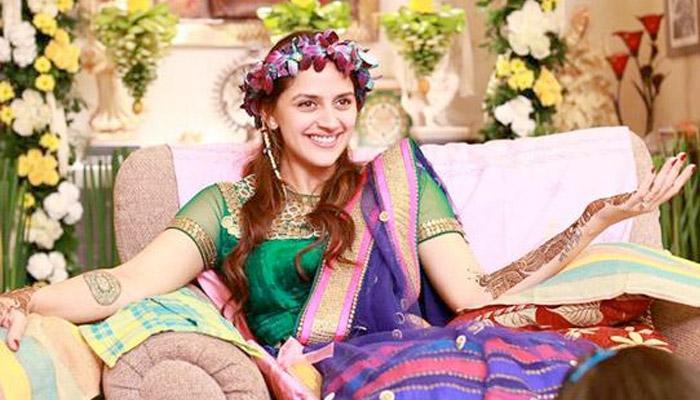 Mehendi Ceremony Look : How to look stylish on your mehendi ceremony