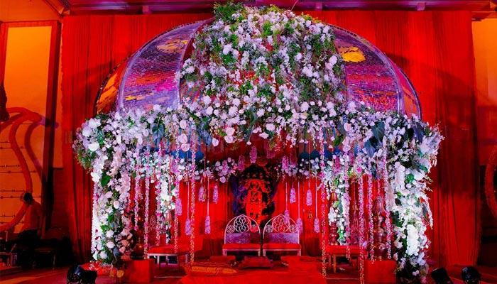 6 Inspirational Mandap Photos You Must Show To Your Wedding Planner