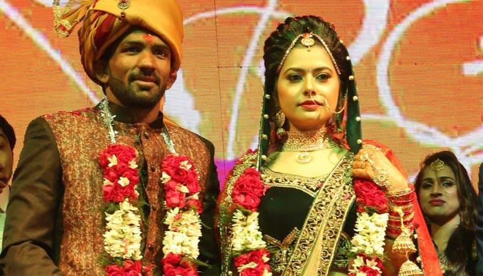 Famous Wrestler Yogeshwar Dutt Ties The Knot With Sheetal Sharma In A Big Fat Ceremony