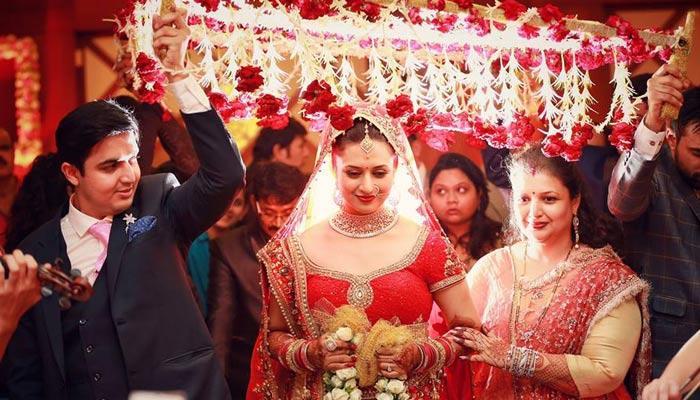 7 'Phoolon Ki Chaadar' Ideas To Make The Bride's Entry A Treat For The Eyes