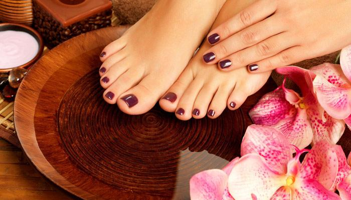 5 Simple Steps To Give Yourself A Rejuvenating Foot Spa At Home
