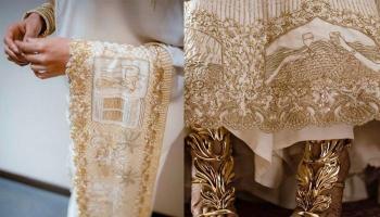 Fairytale Lehenga: Brides Who Got Their Love Story Embroidered On Wedding Lehenga