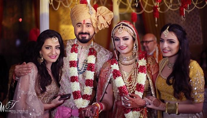 When 'Saturday Saturday' Singer Got Married, We Couldn't Take Our Eyes Off Her All-Gold Lehenga