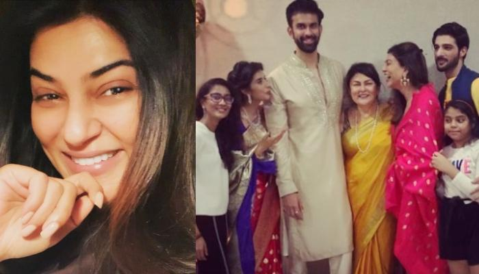 Sushmita Sen And Rohman Shawl Look Like A Match-Made-In-Heaven In An Unseen Picture With Sen Family
