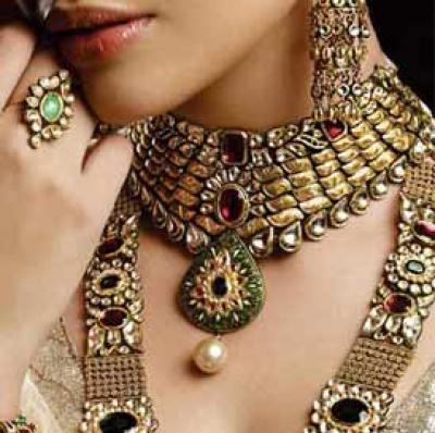 076d18a9620ca Kundan Polki Jewellery Ideas for Indian Brides