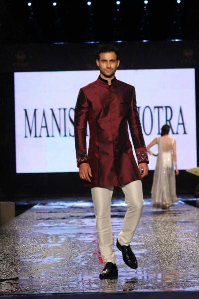 Trendy Wedding Attire For Indian Grooms