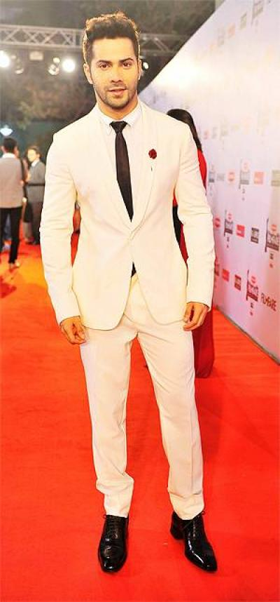 15 Best Dressed Bollywood Celebs At Filmfare Awards 2015